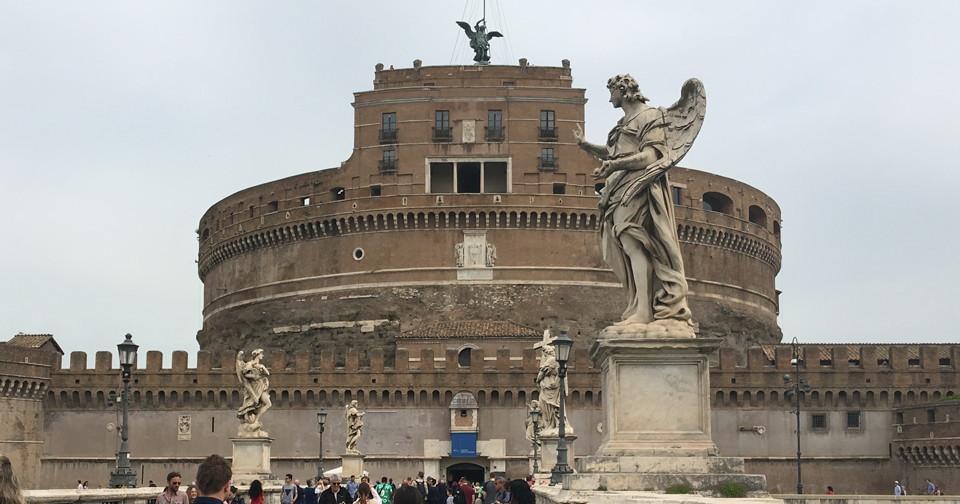 アイキャッチ・ローマ・サンタンジェロ城外観