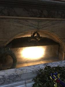 ローマ・ラファエロの棺